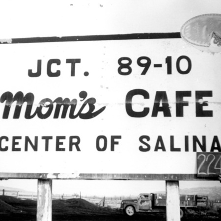 Mom's Cafe road sign in Sevier County