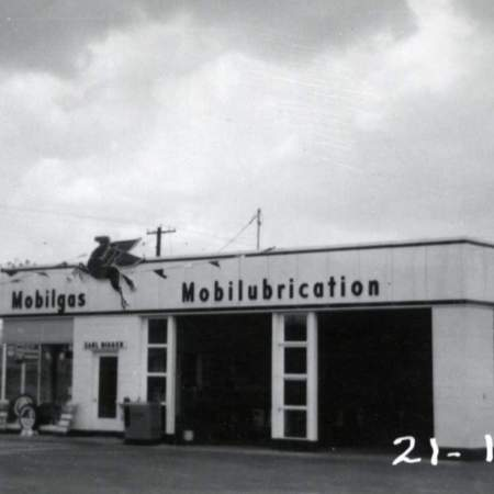 Mobil service station at 5305 South State Street in Murray, UT.