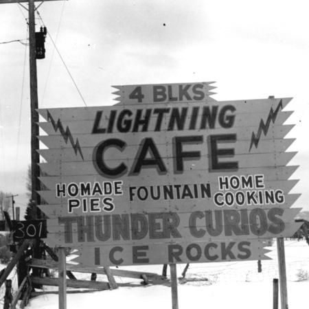 00959003014_LightningCafe.jpg