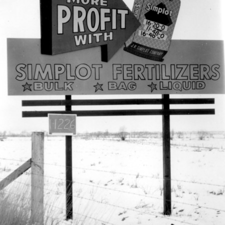 Simplot Fertilizer road sign in Cache County
