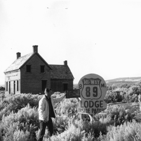 Hi-Way 89 Lodge road sign in Garfield County